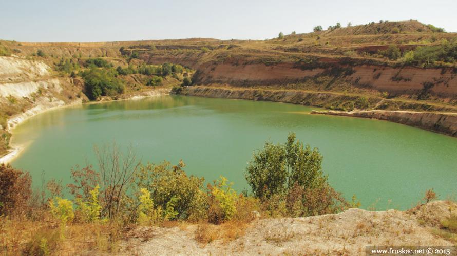 besenovo-jezero-beli-kamen-2
